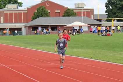 Brennen H. 400m finish