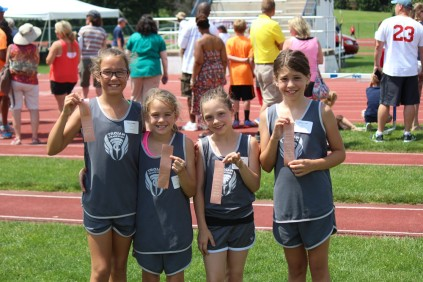 6th Place 9-10 Girls 400 Meter Relay Team